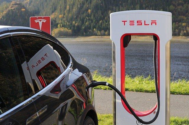 laadkosten-elektrische-auto-tesla