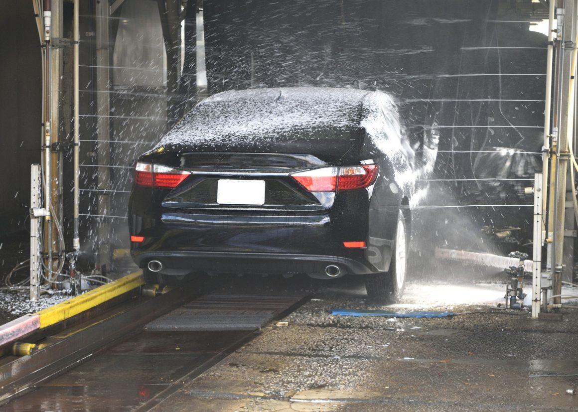 met-regelmaat-de-auto-wassen