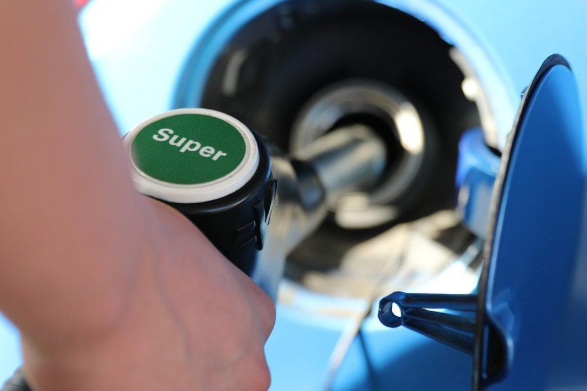 benzine-e10-tanken